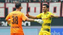 Aubameyang tịt ngòi, Dortmund hút chết trước Frankfurt