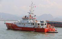 Tìm kiếm 3 thuyền viên gặp nạn gần đảo Bạch Long Vỹ