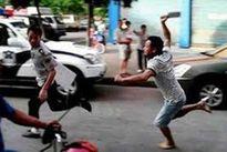 Bắt nhóm thanh niên 'trêu gái', đâm trọng thương người can ngăn
