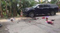 Xế hộp đâm nát đầu xe máy, 2 người thương vong