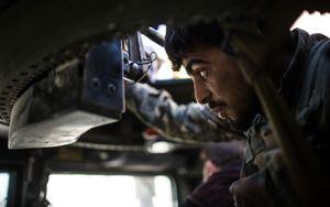 Hình ảnh cuộc chiến giành giật từng tấc đất giữa SDF và IS ở Raqqa