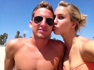 Vợ sao Napoli tiết lộ gây sốc về chuyện 'phòng the'