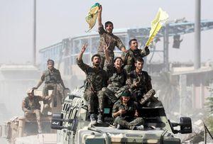 Lực lượng đối lập Syria mừng ngày giải phóng 'thủ đô IS'