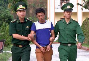 Bộ đội biên phòng bắt nhóm lừa bán 2 cô gái sang Trung Quốc