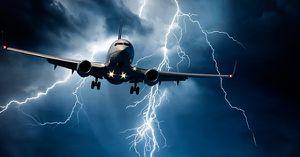 Chuyện gì sẽ xảy ra khi sét đánh trúng máy bay?