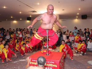 Sáng 20/10, bậc thầy kung-fu VN sẽ móc mắt, thọc giáo để xác lập kỷ lục TG