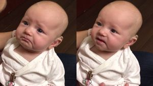Em bé khiếm thính xúc động đến bật khóc khi lần đầu tiên nghe được giọng nói của mẹ