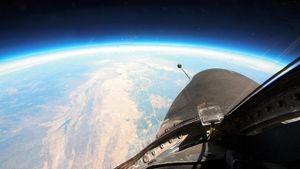 Phi cơ Mỹ theo dõi IS từ vũ trụ