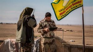 SDF trả mỏ dầu cho Nga-Syria, bất ngờ vượt sông Khabur
