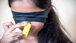 Bé gái có khả năng kỳ lạ đến bác sĩ cũng khó lý giải: Ngửi mùi của màu sắc