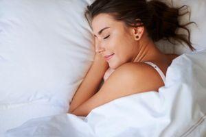 Cách thở giúp bạn ngủ dễ dàng chỉ sau một phút
