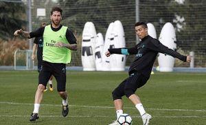 Ronaldo 'luyện' rabona trong buổi tập của Real