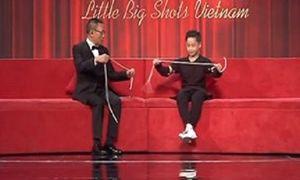 MC Lại Văn Sâm 'đứng hình' với màn ảo thuật thắt cổ của cậu bé 12 tuổi
