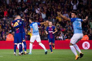 Barca nhọc nhằn thắng đội bét bảng bằng 'bàn thắng ma'