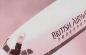 Phi công bị hút ra khỏi máy bay ở độ cao 5 km, hành khách tự định đoạn số phận