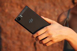 BlackBerry KeyOne Black Edition chính hãng giá 16 triệu tại VN