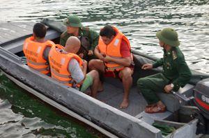 Đã tìm thấy 3 thuyền viên gặp nạn trên biển Bạch Long Vĩ