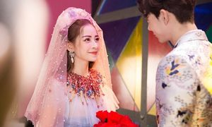 Sau MV debut bị 'ném đá', Chi Pu nhá hàng sản phẩm thứ 2 xinh lung linh