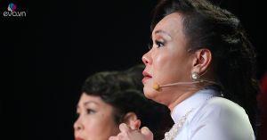 Nghe 'Ba kể con nghe', Việt Hương tràn nước mắt nhắc lại câu chuyện bố con Quốc Tuấn