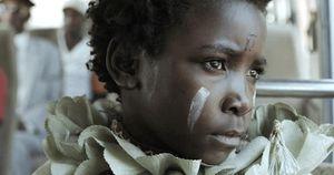 'I Am Not a Witch': Bộ phim châm biếm đầy xúc động về cuộc đời của một bé gái mang danh phù thủy