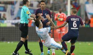 Neymar bị đuổi vì 'đánh người', Cavani lập siêu phẩm cứu PSG phút cuối
