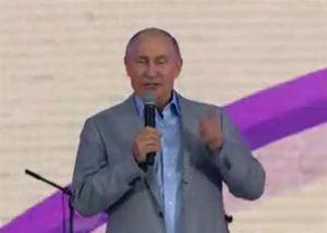 Putin trổ tài nói tiếng Anh trước thanh niên thế giới