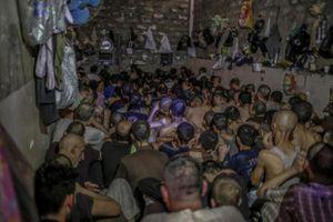 Nhà tù ngột ngạt như lò thiêu giam giữ các nghi phạm IS