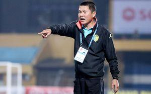 HLV Chu Đình Nghiêm nói gì về cuộc đua vô địch V-League 2017?