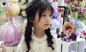 Cô nhóc Trung Quốc mới 8 tuổi đã ra dáng hot girl
