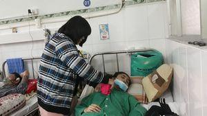 Thiếu nữ ở Sài Gòn bị bệnh nằm chờ chết vì không có tiền, không người thân
