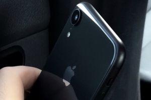 Nóng: iPhone Xc bản chính thức lần đầu tiên lộ diện rõ nét