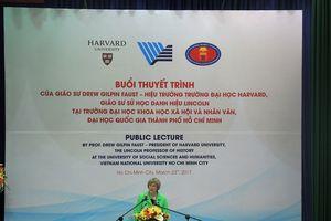 Hiệu trưởng Đại học Harvard: 'Tôi dành cho Việt Nam mối quan tâm đặc biệt'