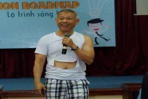 Sinh viên thích thú với cách dạy của 'giáo sư quần đùi'