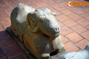 Tận mục con cừu đá cực lạ trong chùa cổ Bắc Ninh