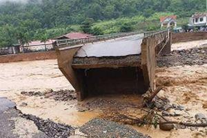 144 ngôi nhà bị cuốn trôi, 16 người tử vong và mất tích do lũ quét ở Mường La