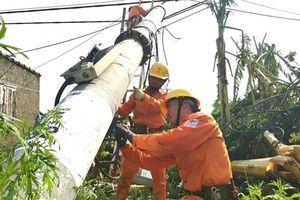 Điện lực Quảng Bình tổng lực ra quân khắc phục thiệt hại sau 'siêu bão'