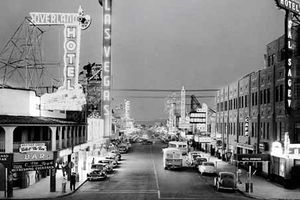 Ảnh thành phố Las Vegas 'thay da đổi thịt' những năm 1900