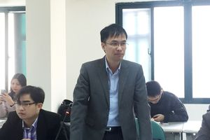 Nợ công Việt Nam: Nguy cơ 'chưa giàu đã già lại nợ nhiều'