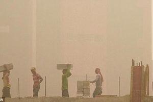Không khí New Delhi đang 'đốt cháy' phổi của người dân Ấn Độ