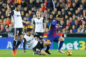 Bị trọng tài 'cướp trắng' bàn thắng, Barca hòa cay đắng Valencia