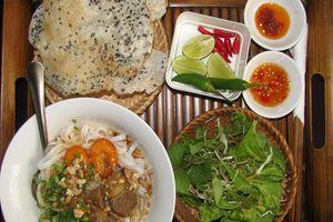 Cách nấu mì Quảng tôm thịt thơm ngon ấm lòng người con xa xứ