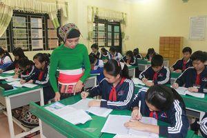 Dạy tiếng Thái cho học sinh... dân tộc Thái