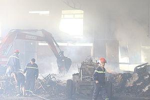 Cháy xưởng chế biến gỗ, 2 công nhân tử vong