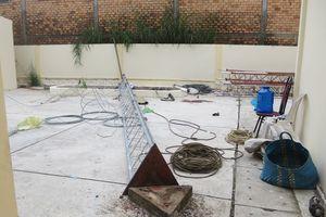 Trụ ăng ten đài truyền thanh đổ sập, 1 người chết, 1 người bị thương