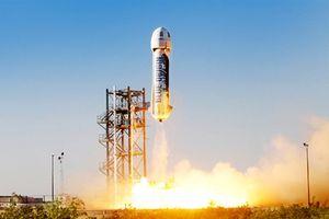 Blue Origin đốt nóng cuộc đua bằng cú hạ cánh ngoạn mục