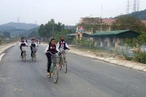Phong trào hiến đất làm đường nông thôn ở huyện Hoành Bồ