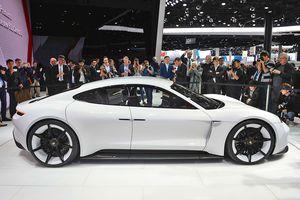 Thông tin chính thức về siêu xe điện Porsche Mission E