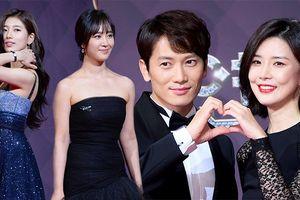 Ji Sung - Lee Bo Young tình tứ 'bắn tim', Yuri đọ sắc Suzy tại SBS Drama Awards 2017