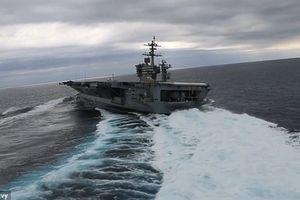 Clip tàu sân bay Mỹ đánh võng trên biển gây sốt