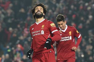 Salah, Mane tỏa sáng giúp Liverpool tạm vượt MU